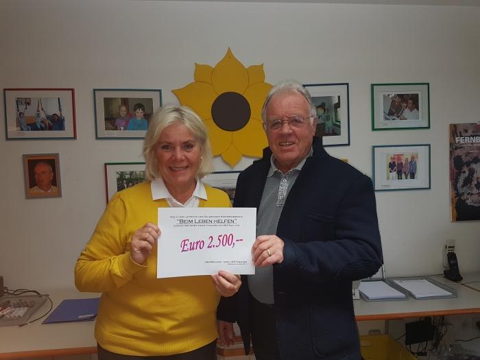 Kinderkrebshilfe erhält Spende aus Bürmoos